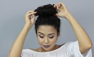 coque de cabelo cacheado