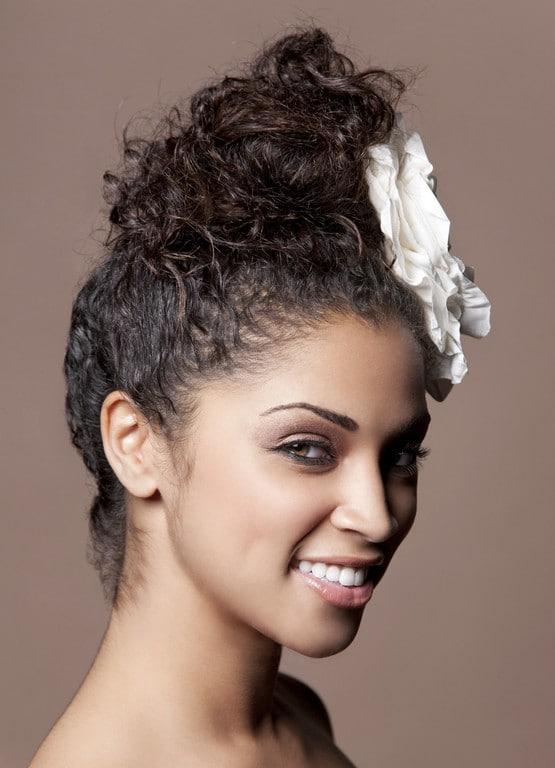 penteado para cabelo cacheado 9