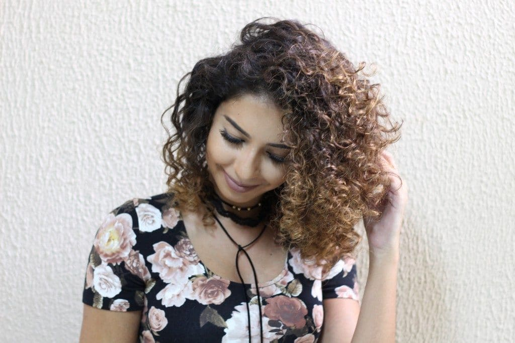 Juliana Louiise com luzes no cabelo