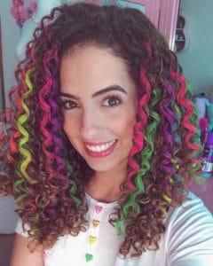 Stephania com cabelo colorido