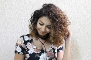 Juliana Louiise com mechas no cabelo